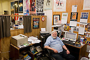 Crawford, Texas, USA.Der Chefredakteur der Crawforder Zeitung Icon Clast, W. Leon Smith, 62, in seinem Buero im nahegelegenen Cliffton..W. Leon Smith, 62, editor of Icon Clast, Newspaper of Crawford, at his office in nearby Cliffton..Crawford, Texas, is the hometown of outgoing President George W. Bush, who bought the Prairie Chapel Ranch, located seven miles (10 km) northwest of town, in 1999. The farm was considered the Western White House of the President, who is leaving soon for a new home in  Dallas. His departure will bring major changes to this small town (population: 705), which had in part made a living by catering to the tourist, press and protesting crowds that came to visit. At the same time they are very tired of it all and seem to be glad that life can finally get back to normal now...©Stefan Falke