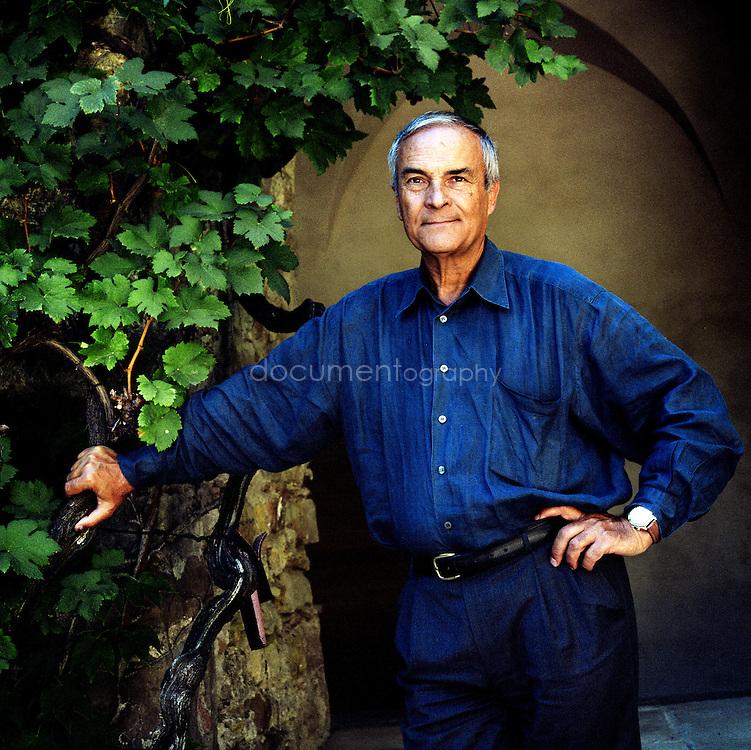Bernard Teillaud, homme d'affaire et amateur d'art, acceuille chaque année une exposition sur ses terres, Chateau Sainte Roseline, Les Arcs-sur-Argens, France