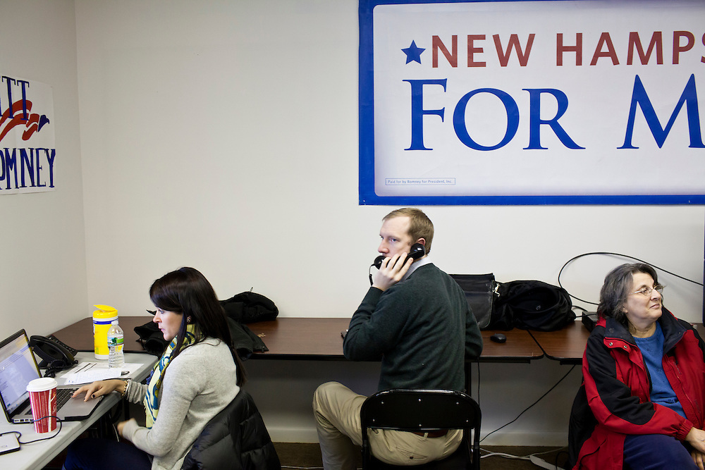 Volunteers make phone calls at the New Hampshire campaign headquarters of Republican presidential candidate Mitt Romney on Monday, January 9, 2012 in Manchester, NH. Brendan Hoffman for the New York Times