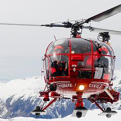 Activit&eacute; du Peloton de Gendarmerie de Haute Montagne de l'Is&egrave;re &agrave; l&rsquo;a&eacute;rodrome du Versoud et &agrave; l'altiport Henri Giraud de l'Alpe d'Huez. Entra&icirc;nements, exercices et prise d'alerte sur les massifs montagneux de l'Is&egrave;re gr&acirc;ce aux h&eacute;licopt&egrave;res Dragon 38 de la S&eacute;curit&eacute; Civile.<br /> Mars &amp; Avril 2008 / Le Versoud &amp; Alpe d'Huez (38) / FRANCE<br /> Cliquez ci-dessous pour voir l'ensemble du reportage (80 photos)<br /> http://sandrachenugodefroy.photoshelter.com/gallery/2008-04-Secours-en-montagne-en-Isere-Complet/G0000TzId8CVWLBs/