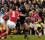 Twickenham, LONDON, Wasps, Stuart Abbott, on an attacking run as London Wasps vs Llanelli Scarlets, in the 2006 Powergen Cup Final at the RFU Stadium.  ENGLAND, 09.04.2006, 2006, , © Peter Spurrier/Intersport-images.com.   [Mandatory Credit, Peter Spurier/ Intersport Images].