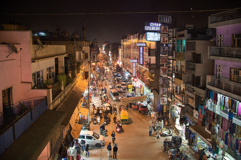 Night view of the district of Paharganj in Delhi.