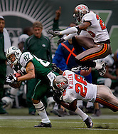 New York Jets vs Tampa Bay Buccaneers, NFL football at Giants Stadium, East Rutherford, NJ. (Photo by Robert Falcetti). .