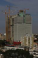 Aspecto geral das torres do BESA, Banco Espirito Santo Angola, situado na zona do Kinaxixi em Luanda.