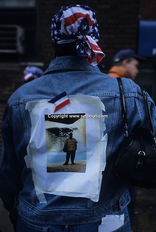 New York. 9/11 . people searching their relatives or friends. missing people portraits after the terorist attack  on world trade center towers in Manhattan  New york  Usa /   famille et amis a la recherche des disparus apres l'attaque terroriste sur les tours du world trade center a Manhattan  New york  USA