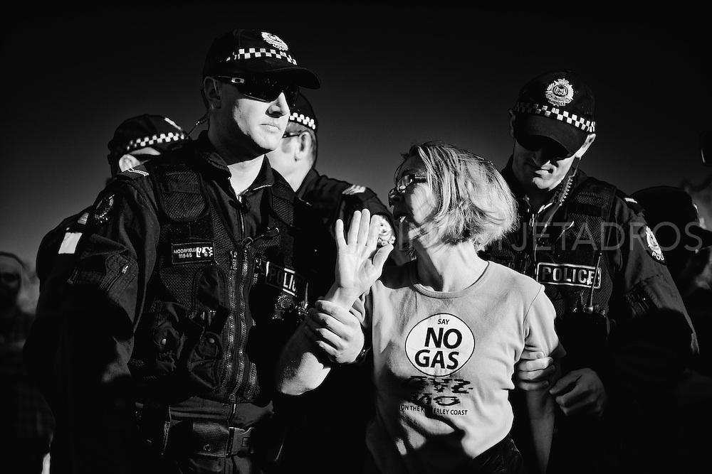 Big protest 22 arrested at Manari Rd.<br /> Photo by Ingetje Tadros.<br /> www.ingetjetadros.com