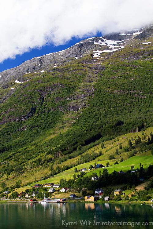 Europe, Norway, Olden. Nordfjorden near Olden.