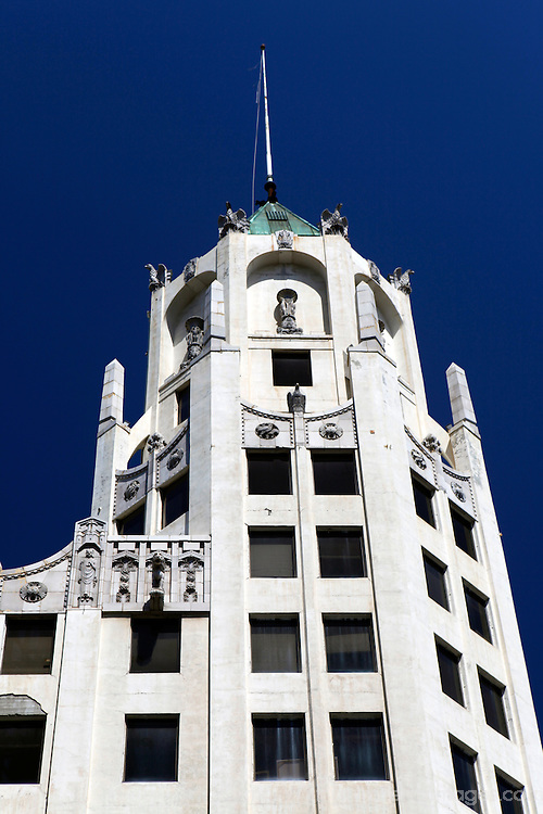 USA, California, Los Angeles. First National Bank of Hollywood building.