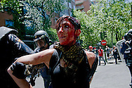 The marchers held a rally from the Plaza de Colon to the industry ministry. Was scheduled to be held in a peaceful part of the organization. But acts of &quot;black march&quot; ended violently. A group of demonstrators confronted the police.One of those arrested during the melee. This just hurt in the process of his arrest.<br /> The skirmishes lasted for 2 hours.The results were 76 wounded and 8 arrested.