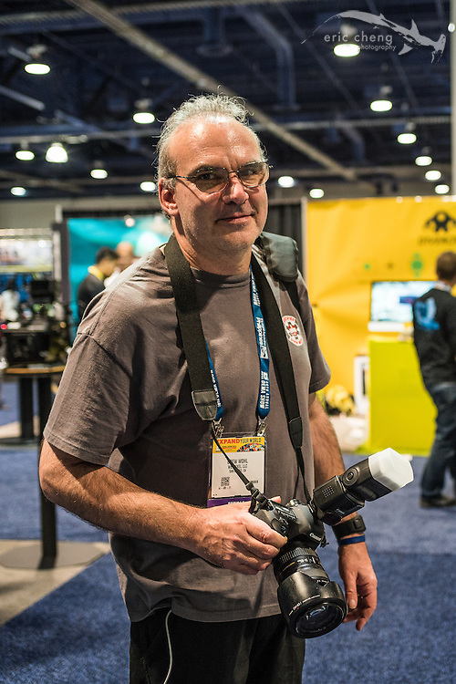 Drew Wohl on photographic duty for Wetpixel DEMA coverage (DEMA 2016, Las Vegas)