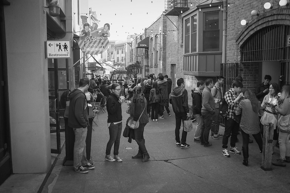 2016 October 22 - Street scene at Post Alley  at Pike Place Market, Seattle, WA, USA. By Richard Walker