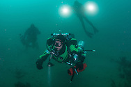 GUE Tech diver heads to wreck that has ghostnets