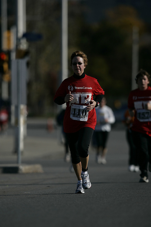 (Ottawa, ON---18 October 2008) JEANNIE MALLET competes in the 2008 TransCanada 10km Canadian Road Race Championships. Photograph copyright Geoff Robins/Mundo Sport Images (www.msievents.com).