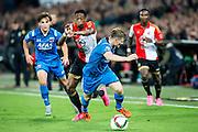 ROTTERDAM - Feyenoord - AZ , Voetbal , Eredivisie, Seizoen 2015/2016 , Stadion de Kuip , 25-10-2015 , Speler van Feyenoord Terence Kongolo (2e l) speelt de bal langs AZ speler Mattias Johansson (r) waarna de goal valt