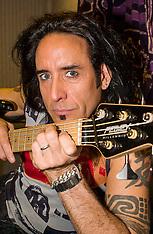 2003-05-21_Marco Mendoza