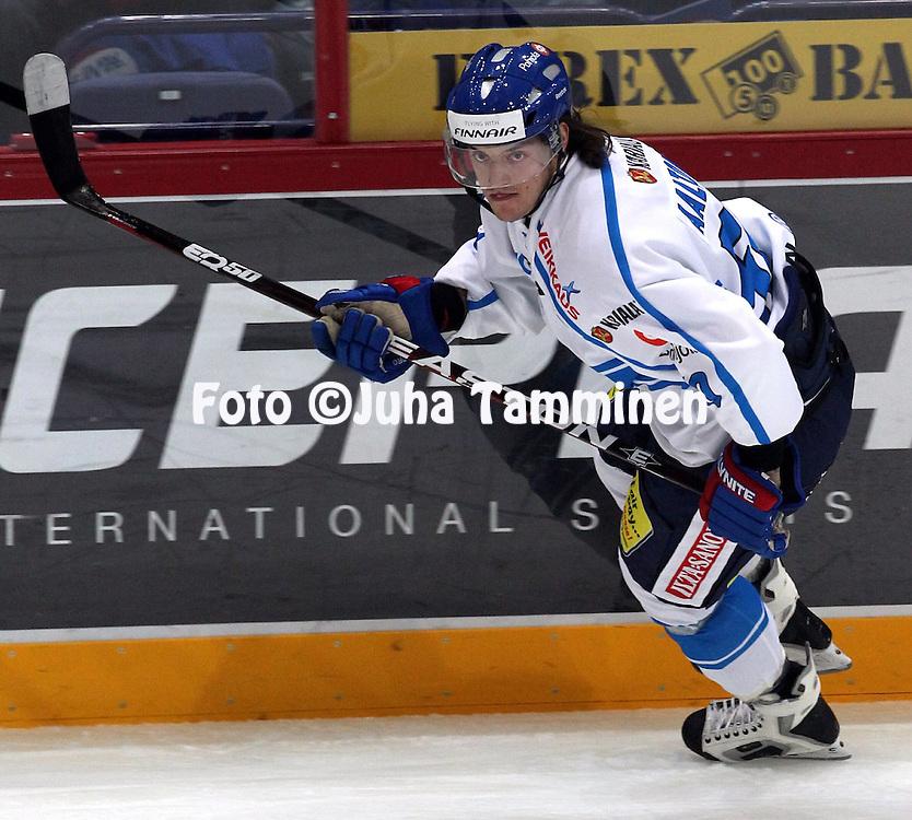 10.11.2011, Hartwall-Areena, Helsinki, Finland..Euro Hockey Tour - Karjala-turnaus 2011. Suomi - Venj / Finland v Russia..Juhamatti Aaltonen - Suomi..
