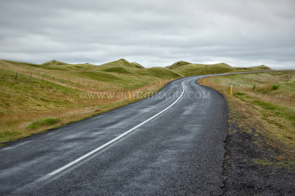 Photo of a stretch of the Ring Road in Iceland