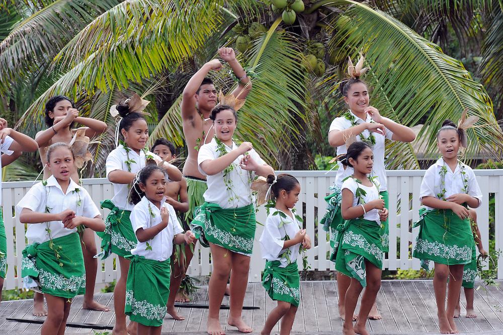 Niuean cultural entertainment at the Matavai Resort, Pacific Mission 2012, Alofi, Niue, Wednesday, July 25, 2012. Credit:SNPA / Ross Setford