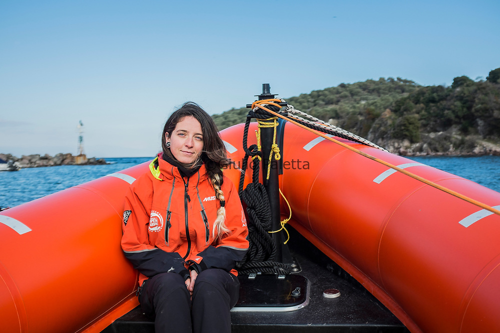 "Anabel Montes Mier, called ""Ani"", 29 years old, from Spain, she is of the few women working in the rescue team of the Spanish aid for refugees NGO Proactiva. She just got back from 2 months in the Libyan sea, rescuing thousands of refugees from the rought sea"