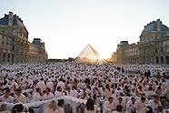 Paris est une fete PR585A