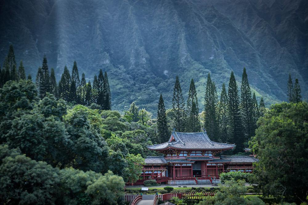 USA, Hawaii, Oahu,USA, Hawaii, Oahu, Kailua,Bypdo-in Temple (m)