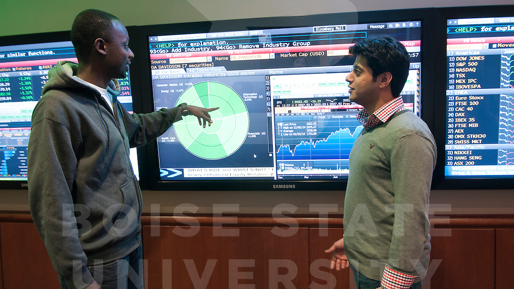 MBEB, Dykman Trading Room, Student Scene