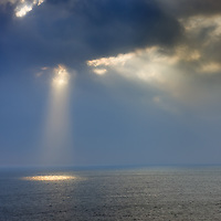 Sun beam over endless Seascape Horizon County Kerry Ireland / wt020
