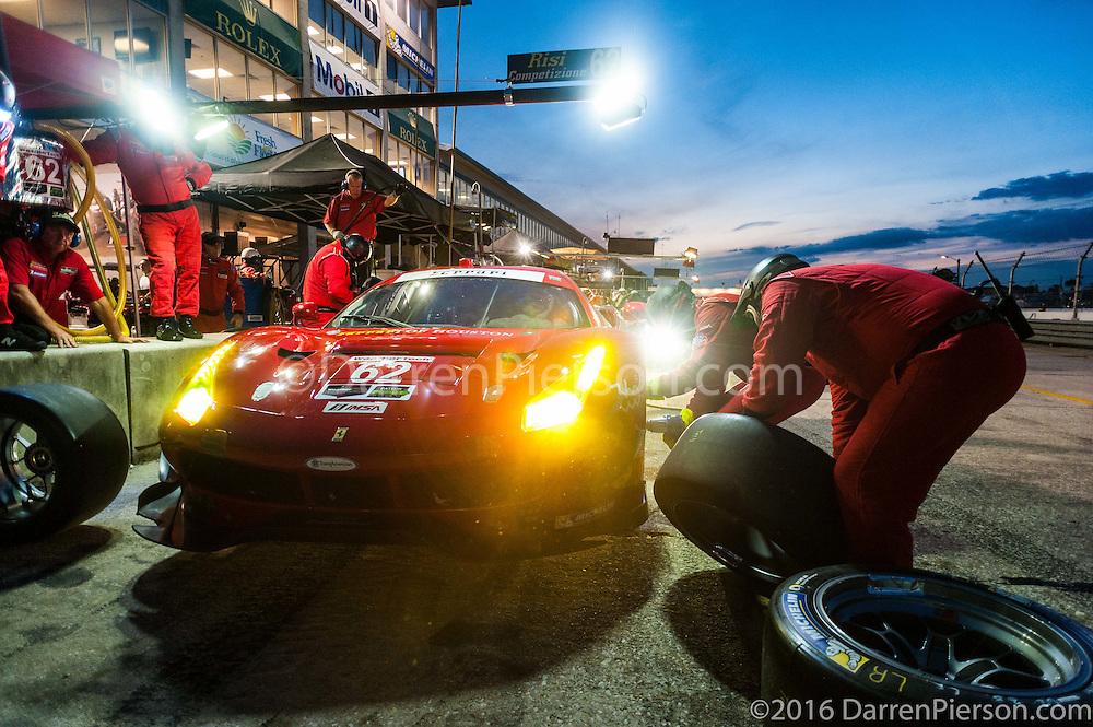 #62 Risi Competizione Ferrari 488 GTE: Davide Rigon, Toni Vilander