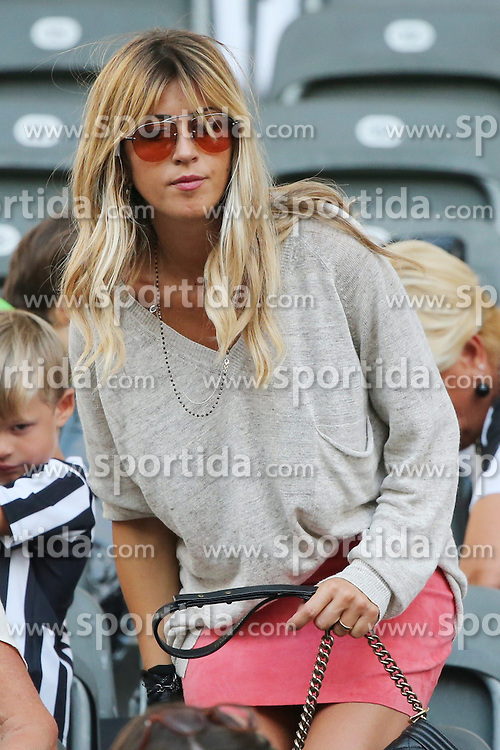 06.06.2015, Olympia Stadion, Berlin, GER, UEFA CL, Juventus Turin vs FC Barcelona, Finale, im Bild Roberta Sinopoli Marchisio, Frau von Claudio Marchisio (Juventus Turin #8) // during the UEFA Champions League final match between Juventus FC and Barcelona FC at the Olympia Stadion in Berlin, Germany on 2015/06/06. EXPA Pictures &copy; 2015, PhotoCredit: EXPA/ Eibner-Pressefoto/ Sch&uuml;ler<br /> <br /> *****ATTENTION - OUT of GER*****