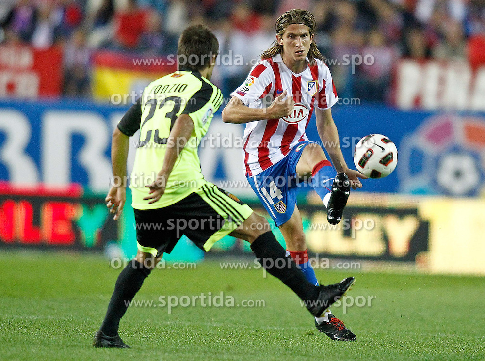 26.09.2010, Vicente Calderon Stadion, Madrid, ESP, Primera Division, Atletico Madrid vs Real Saragossa, im Bild Atletico de Madrid's Filipe Luis during La liga match. EXPA Pictures © 2010, PhotoCredit: EXPA/ Alterphotos/ Alvaro Hernandez +++++ ATTENTION - OUT OF SPAIN / ESP +++++ / SPORTIDA PHOTO AGENCY