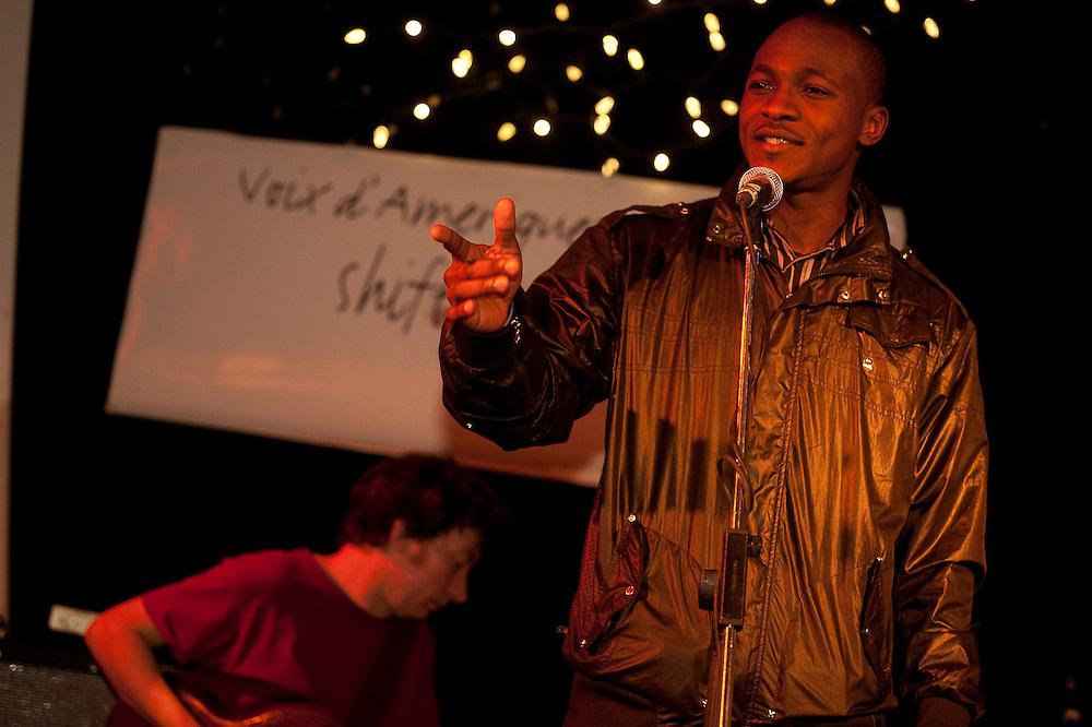 Shift de Nuit, animé par Alexis O'Hara avec les musiciens Bernard Falaise et Michel F Côté à la Casa del Popolo. Ève Cournoyer et open mike, vendredi le 5 février 2010