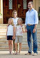 3-08-2015 - PALMA DE MALLORCA - King Felipe, Queen Letizia, Princess Leonor, Princess Sofia pose during the Photosession for the media at the Marivent Palace  during the holiday in Palma de Mallorca 2015  .COPYRIGHT ROBIN UTRECHT<br /> 2015/03/08 - PALMA DE MALLORCA - Koning Felipe, Koningin Letizia, Prinses Leonor, Princess Sofia poser tijden de fotosessie  voor de media bij het Marivent Paleis tijden de zomervakantie vakantie in Palma de Mallorca .COPYRIGHT ROBIN UTRECHT