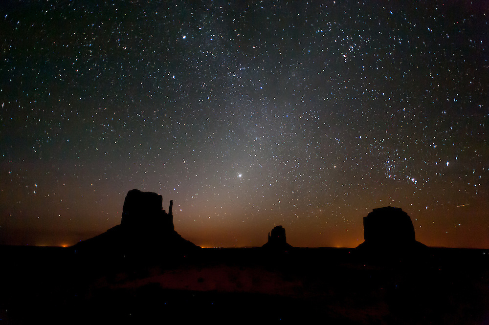 Monument Valley beneath the starry night sky