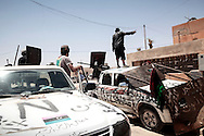 Libyan rebels pushed to the city of Tawarga, located on the road to Syrt, to extend their controlled zone around Misrata. They advanced to the outskirts of the down facing little resistance from Gadhafi's army but later withdrawed in fear of being cut off by Gadhafi's troops. 16 May 2011.