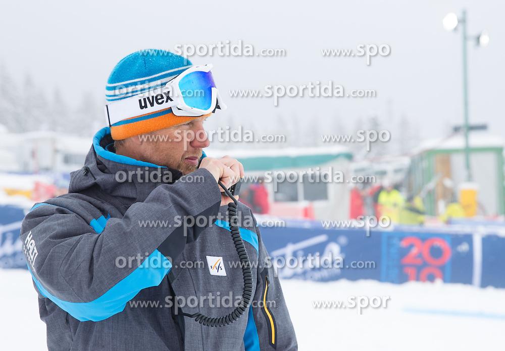 18.01.2014, Olympia delle Tofane, Cortina d Ampezzo, ITA, FIS Weltcup Ski Alpin, Abfahrt, Damen, im Bild Abfahrt der Damen wegen weicher Piste abgesagt, Atle Skardal (FIS Renndirektor) // Atle Skardal (FIS race director), the ladies downhill was canceled due to weather conditions during the Cortina d Ampezzo FIS Ski Alpine World Cup at the Olympia delle Tofane course in Cortina d Ampezzo, Italy on 2014/01/18.