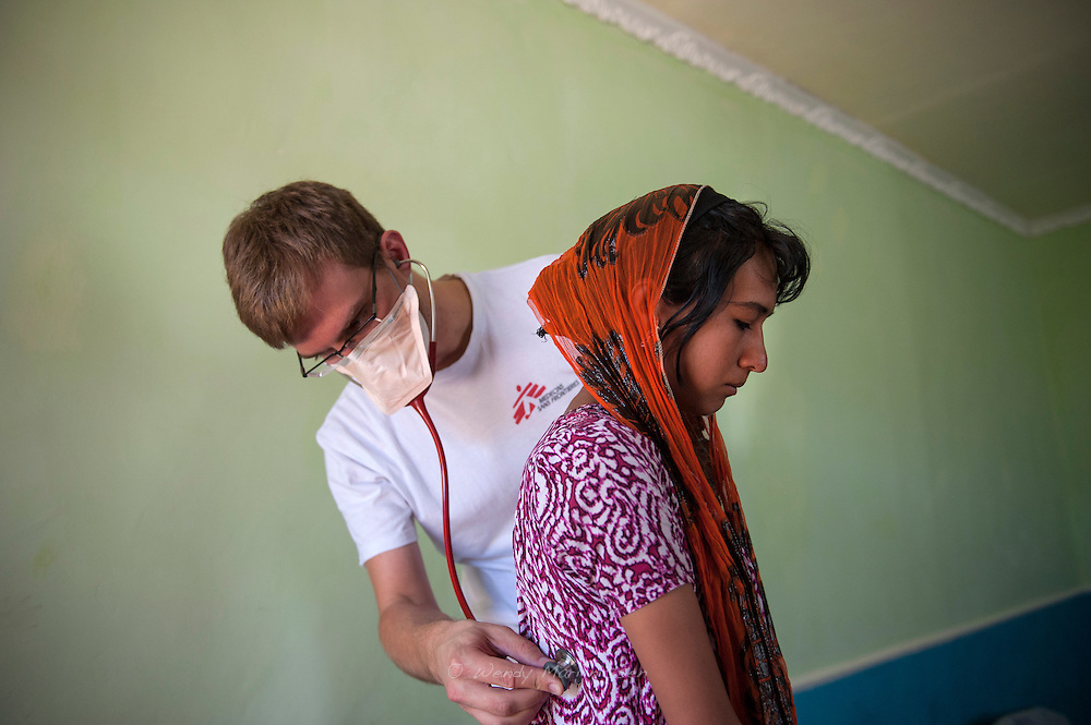 Doctor Christoph examines 16 year old Shahnoza in her family home. <br /> Shahnoza started MDR TB treatment in October 2012 but it turned out she has EXDR TB. Since january 2013 she is receiving the right medicines, but she will need another 1,5 years of treatment.<br /> One of the side effects of her medicines is the loss of sight to her one eye. This might affect her chances of wanting to go back to school again now that her sputum is not infectious anymore.