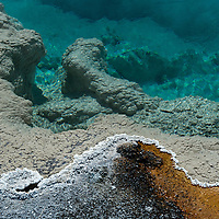 Yellowstone National Park, Geothermal pool
