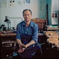 Steve Salchow, bow maker
