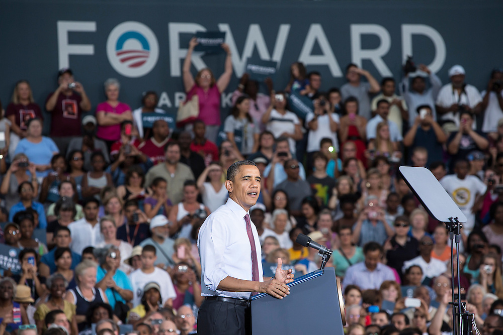 ARLINGTON, VA - AUGUST 2: President Barack Obama holds a campaign rally at Loudoun County High School on August 2, 2012 in Leesburg, VA. Obama campaigned earlier in the day in Florida. (Photo by Brendan Hoffman/Getty Images) *** Local Caption *** Barack Obama