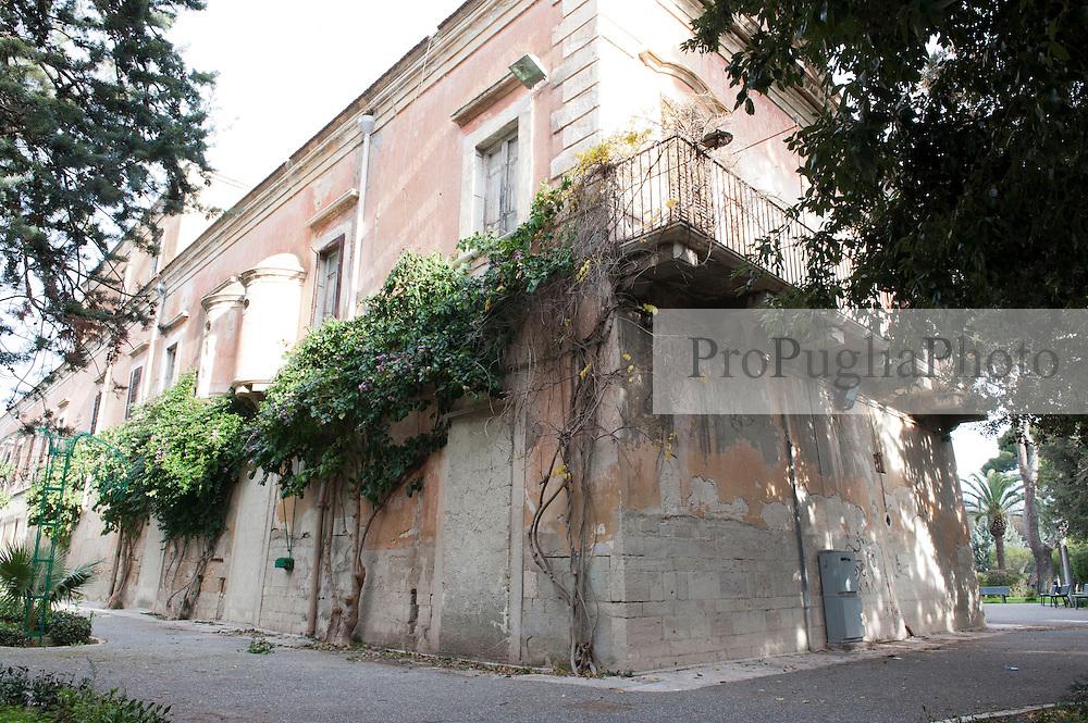 Villa bonelli barletta propugliaphotoagency for Piani casa del sud del paese