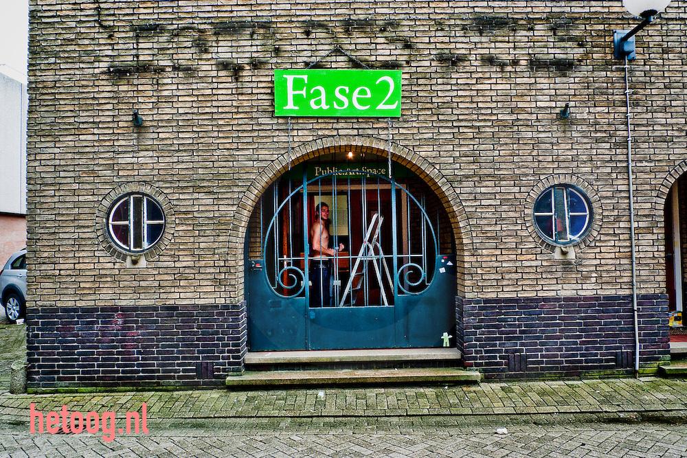 hetOOG Waar: Achter het hofje Enschede Wat: klussen Wanneer: 26 mei 2009 16:03