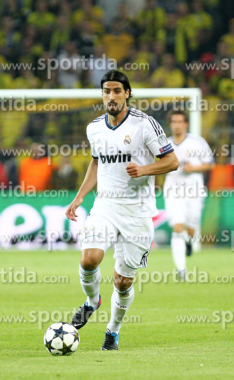 24.04.2013, Signal Iduna Park, Dortmund, GER, UEFA CL, Borussia Dortmund vs Real Madrid, Halbfinale, Hinspiel, im Bild Sami KHEDIRA (Real Madrid), Freisteller, Aktion /Action // during UEFA Champions League 1st Leg Semifinal Match between Borussia Dortmund and Real Madrid at the Signal Iduna Park, Dortmund, Germany on 2013/04/24. EXPA Pictures © 2013, PhotoCredit: EXPA/ Eibner/ Alexander Neis..***** ATTENTION - OUT OF GER *****