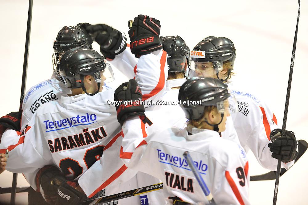Mestis-ottelu Kiekko-Vantaa - JYP-akatemia pelattiin Tikkurilassa 1.10.2014.