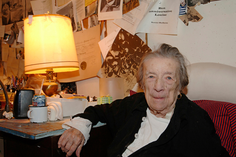 USA New York Artist Louise Bourgeois in her house in Manhattan March 2007 . .German: Die Kuenstlerin Louise Bourgeois in ihrem Haus in Manhattan.