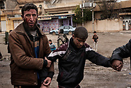 Iraq, Mosul: Wounded Mosul residence are seen as they leave the fighting area in west Mosul. Alessio Romenzi