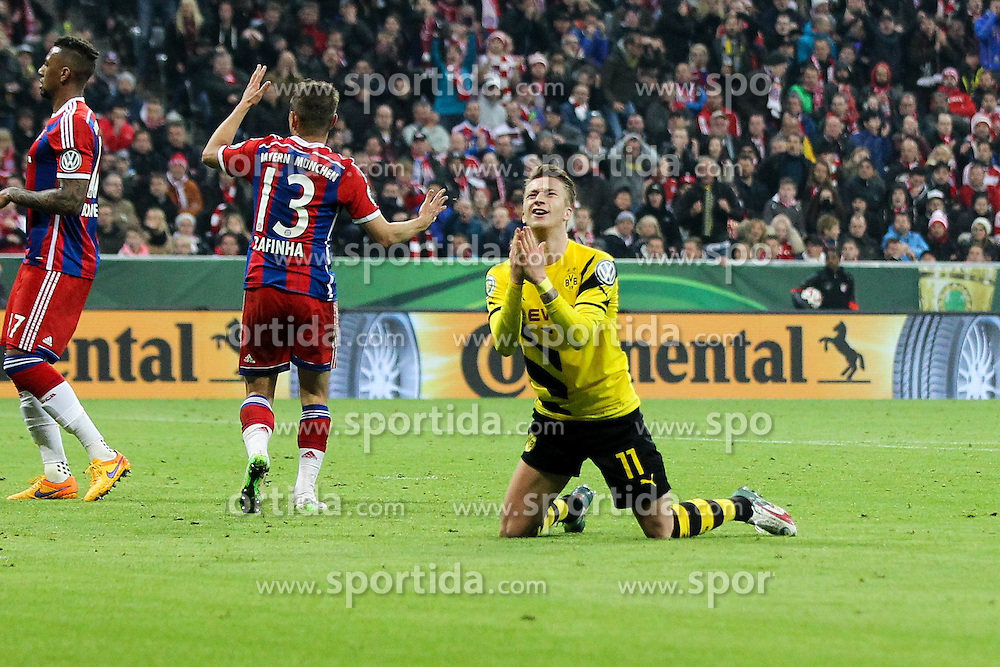 28.04.2015, Allianz Arena, Muenchen, GER, DFB Pokal, FC Bayern Muenchen vs Borussia Dortmund, Halbfinale, im Bild enttaeuschung bei Marco Reus #11 (Borussia Dortmund) ueber die vergebene Chance // during German DFB Pokal semifinal match between FC Bayern Munich and Borussia Dortmund at the Allianz Arena in Muenchen, Germany on 2015/04/28. EXPA Pictures &copy; 2015, PhotoCredit: EXPA/ Eibner-Pressefoto/ Kolbert<br /> <br /> *****ATTENTION - OUT of GER*****