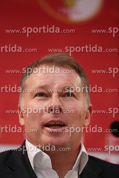 02.01.2013, Trainingsgelaende, Augsburg, GER, 1. FBL, FC Augsburg Pressekonferenz, im Bild Stefan REUTER (Geschaeftsfuehrer Sport FC Augsburg), Portrait, Porträt, Portraet // during a press conference of German Bundesliga Club Fc Augsburg at the training place, Augsburg, Germany on 2013/01/02. EXPA Pictures © 2013, PhotoCredit: EXPA/ Eibner/ Klaus Rainer Krieger..***** ATTENTION - OUT OF GER *****