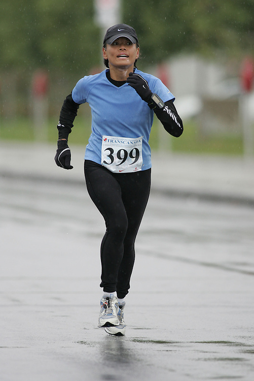 (13/10/2007--Ottawa) TransCanada 10K Canadian Championship run by Athletics Canada. The athlete in action is GLORIA CAWTHORN