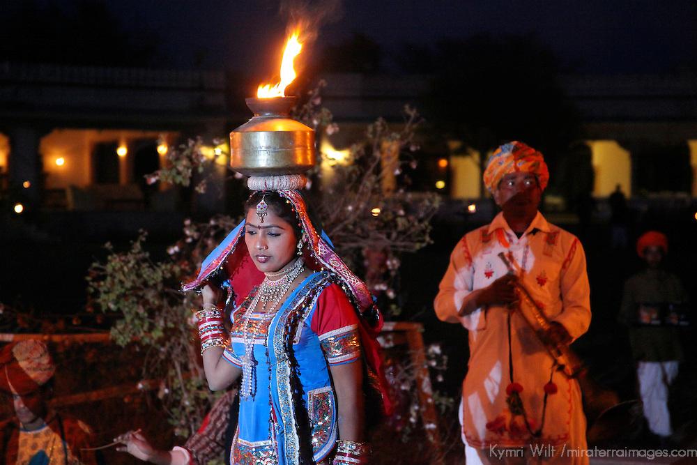 Asia, India, Jaipur. Cultural dancer at Dera Amer .