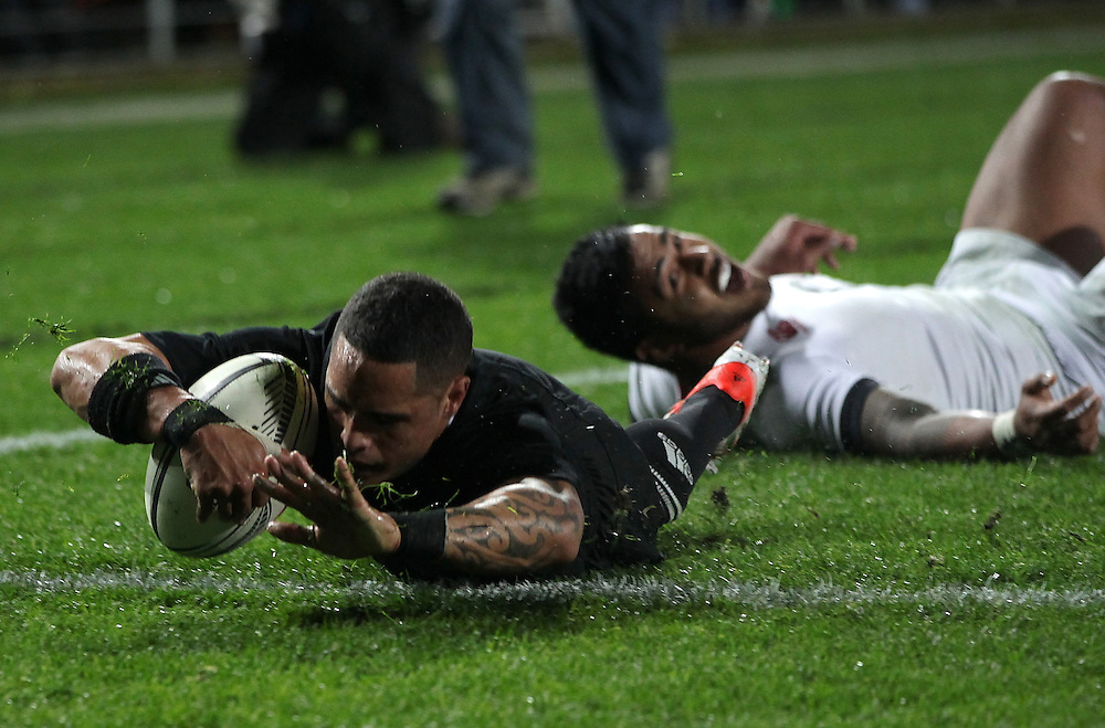 New Zealand's Aaron Smith touches down a try against England in an International Rugby Test match, Waikato Stadium, Hamilton, New Zealand, Saturday, June 21, 2014.  Credit:SNPA / David Rowland